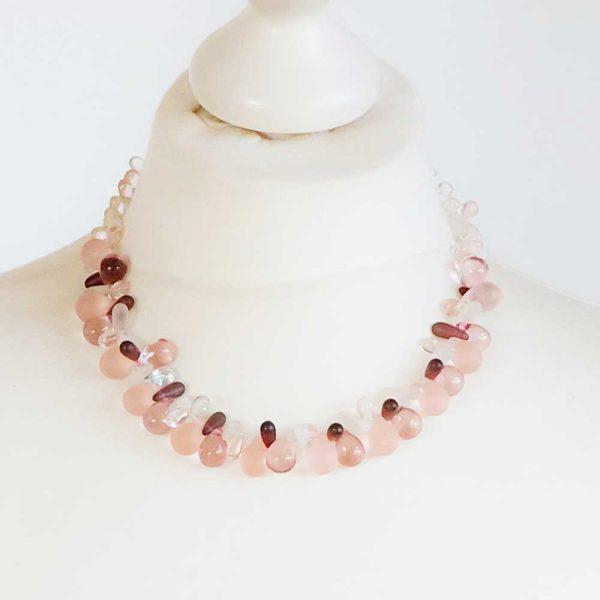 Halskette Tröpfchenweise - esperlt - Körperbild