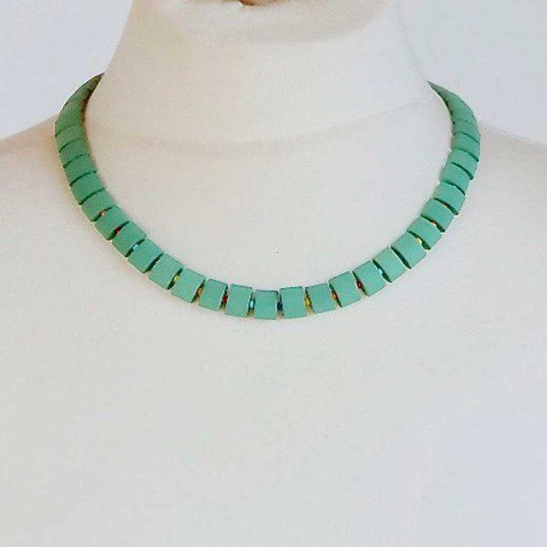 Halskette Grüne Keramik - esperlt - Körperbild