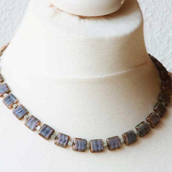 Halskette Quadratur - esperlt - Körperbild