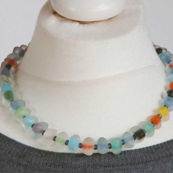 Halskette Zarte Farben - esperlt - Körperbild