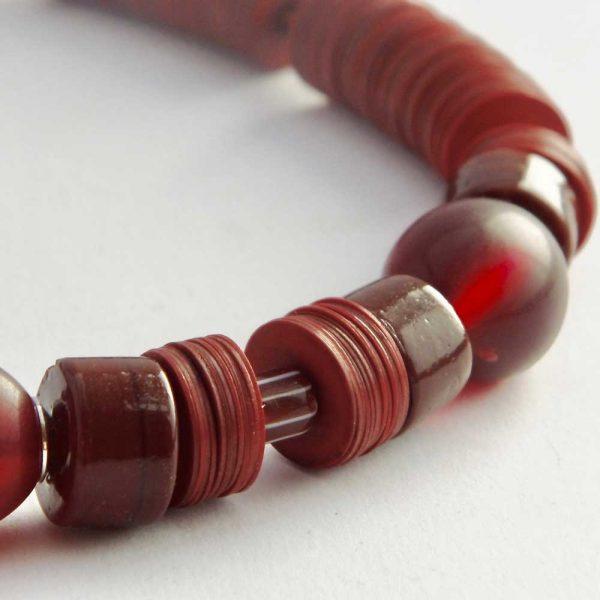 Vollmundiger Rotwein - esperlt - Kettendetail