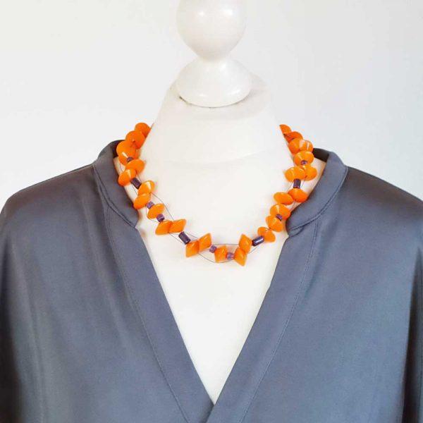 Halskette Ufos von esperlt - Körperbild