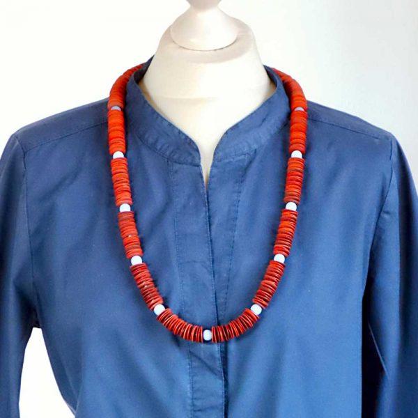 Halskette Grafisches Muster von esperlt - Körperbild
