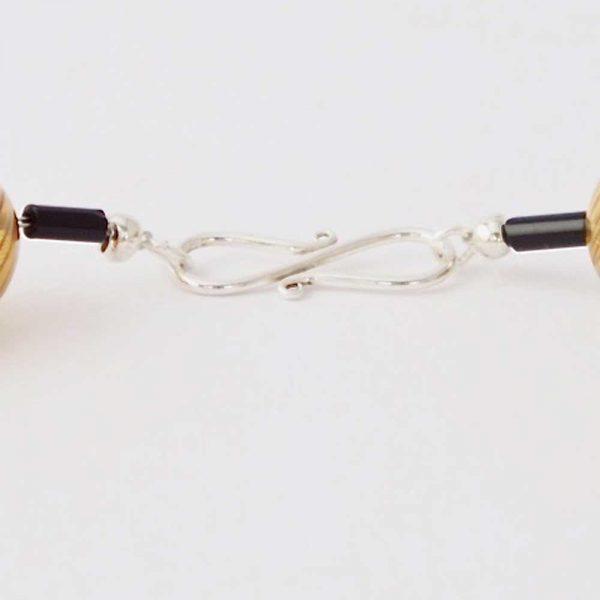 Halskette Braune Glaskugeln von esperlt - Verschluss