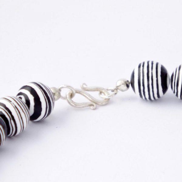 Halskette Zebra Jaspis von esperlt - Verschluss